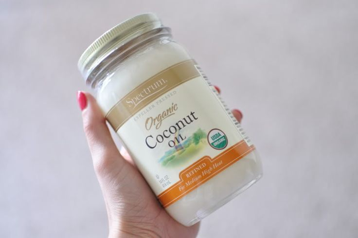 Kokosöl Behandlung für trockene Hände