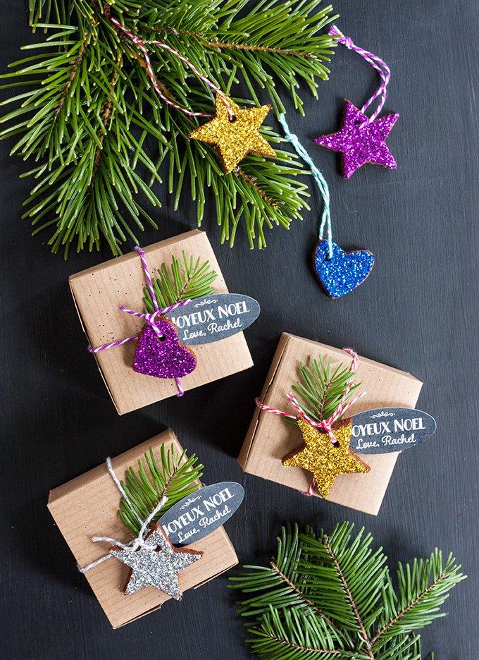 Glitzernde Weihnachtsbaumschmücke aus Lebkuchen