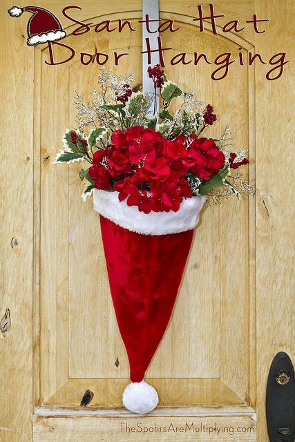 Atemberaubende Türdekoration Ideen zu Weihnachten - Weihnachtsmannmütze