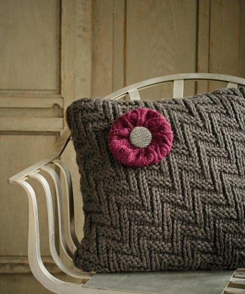 DIY Winterdeko basteln aus Pullovern - Kissen