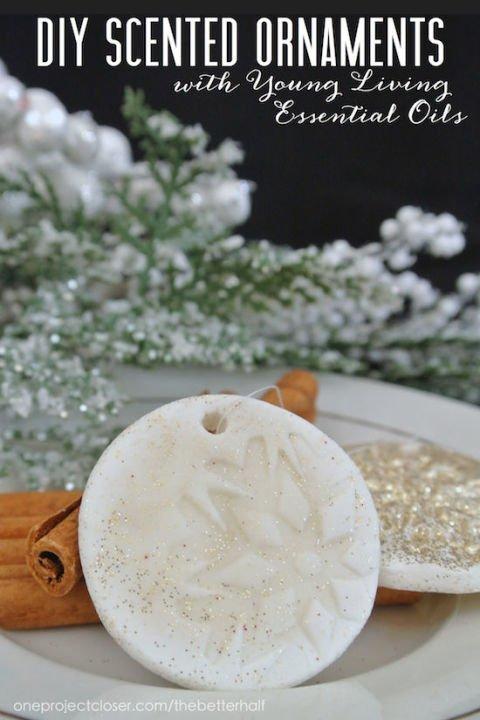 Duftenden Weihnachtsbaumschmuck selber machen mit ätherischen Ölen