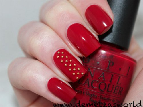 Metalloptik-rotes Nageldesign-festlicher Look