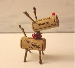 Kreative DIY Weinkorken Rentiere - kleben
