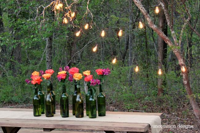 Vintage Gartendeko mit Weinflaschen - Deko Ideen mit leeren Weinflaschen