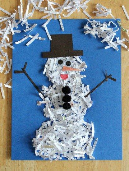 DIY Ideen aus Papier für Kinder - Schneemann aus zerfetztem Papier basteln