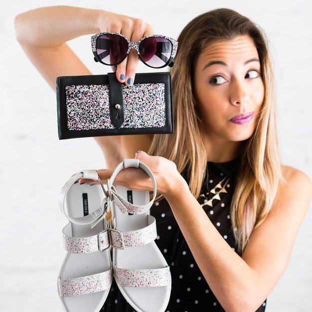 Accessoires mit Glitzernagellack aufpeppen - tolle Geschenke selber machen