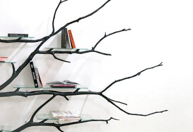 diy b cherregal aus einem heruntergefallenen ast. Black Bedroom Furniture Sets. Home Design Ideas