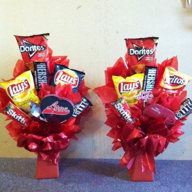 Valentinstag-Strauß aus Knabbereien - DIY Geschenk für Männer