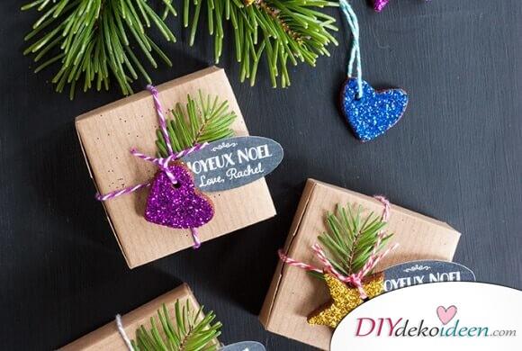 Glitzernde DIY Weihnachtsbaumschmuck aus Lebkuchen