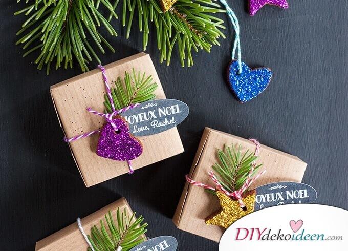 Glitzernder DIY Weihnachtsbaumschmuck aus Lebkuchen