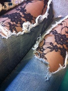 Modische Jeans mit Spitze verzieren - DIY Life Hacks