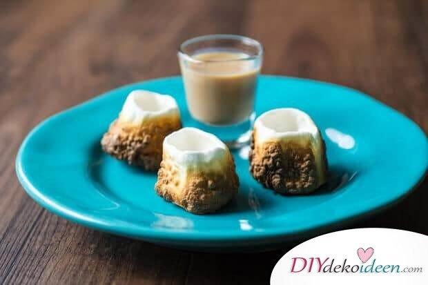 lustige Party-Ideen-Marshmallows mit Getränken füllen
