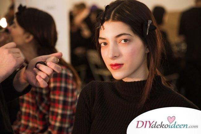 Klassischer roter Lippenstift-wunderwolle Makeup- und Schnönheitstipps