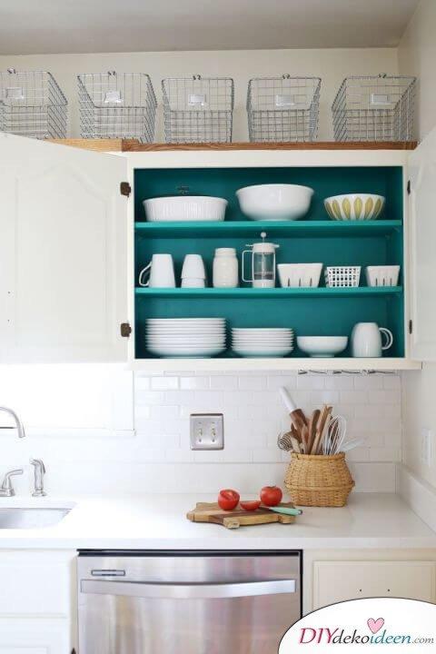 Küchenschrank von innen bemalen - Küche aufpeppen - Deko-Ideen