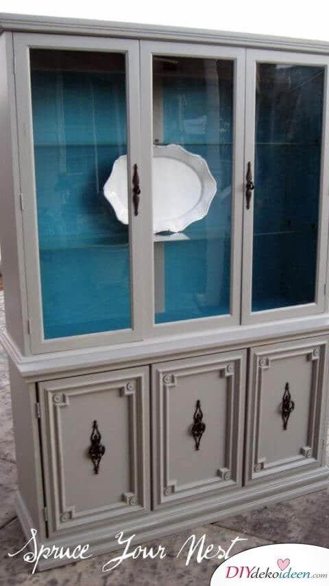 Glasschrank von innen bemalen - DIY Ideen - Möbel renovieren