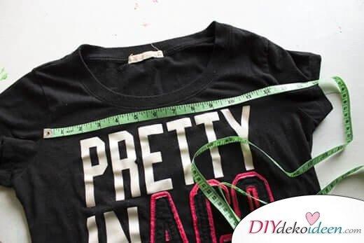T-Shirt für das DIY Kissen abmessen