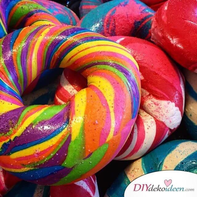 Diesen verrückten Regenbogen Bageln kann niemand wiederstehen