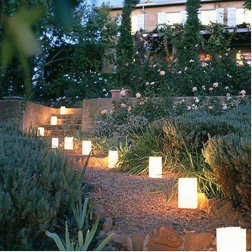 bring licht in die nacht mit diesen tollen au enbeleuchtung ideen. Black Bedroom Furniture Sets. Home Design Ideas