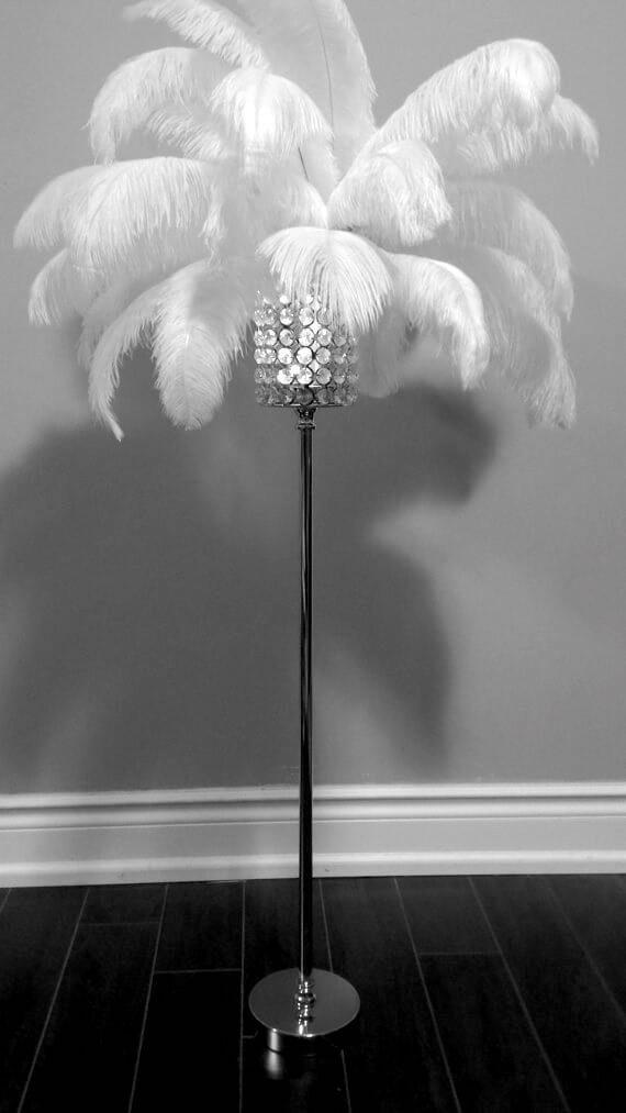 Elegante Federlampe selber machen - DIY Lampe-Deko