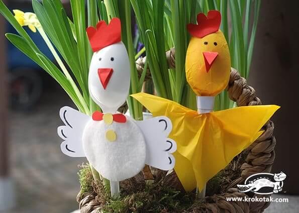 Huhn und Hahn Osterdeko selber machen - DIY Bastelideen mit Plastiklöffeln