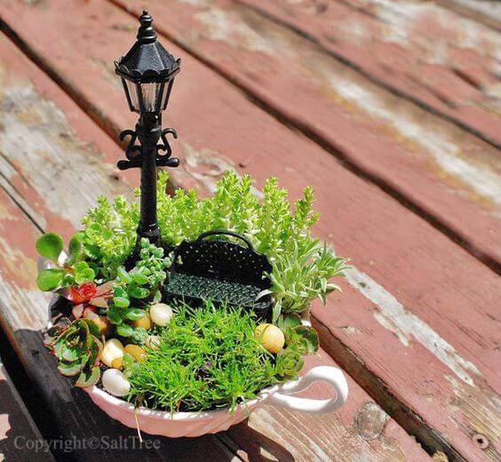 Garten in eine Teetasse zaubern - Gartendeko-ideen