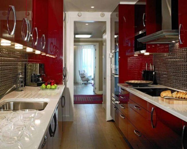 Rote Küche - extravagantes Wohndesign