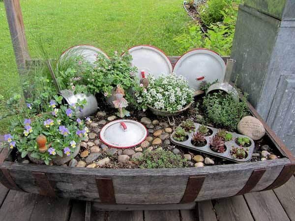 Küchenaccessoires im Garten nutzen - Gartendeko selber machen
