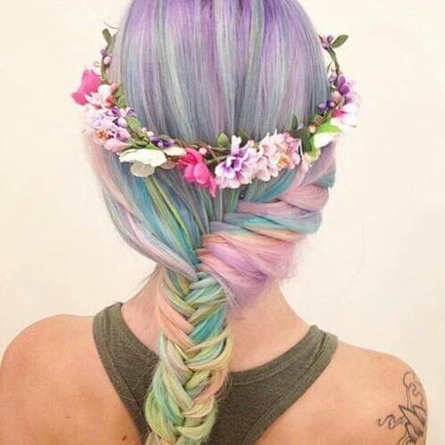 Extravagantes Haaedesign - bunte Blumen - Haarschmuck
