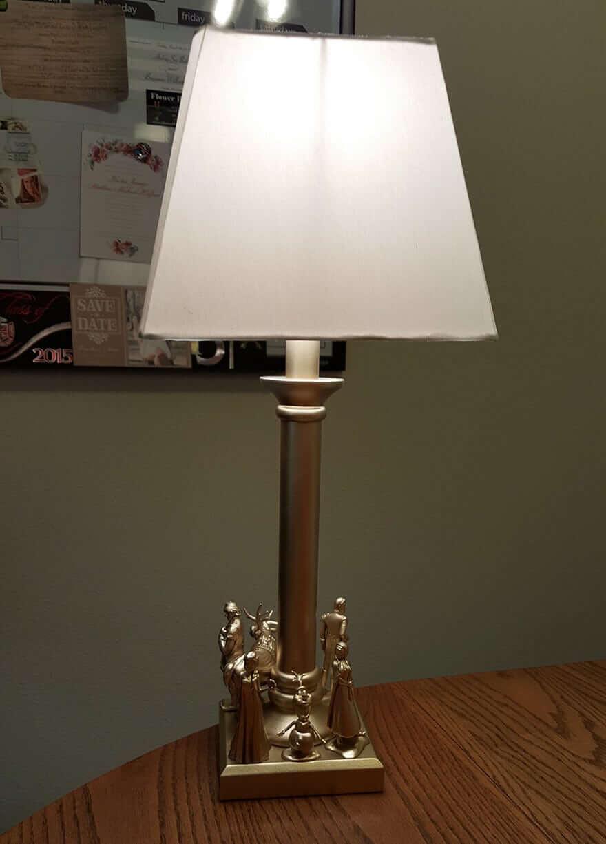 Märchenhafte Lampe für ein Mädchenzimmer selber machen