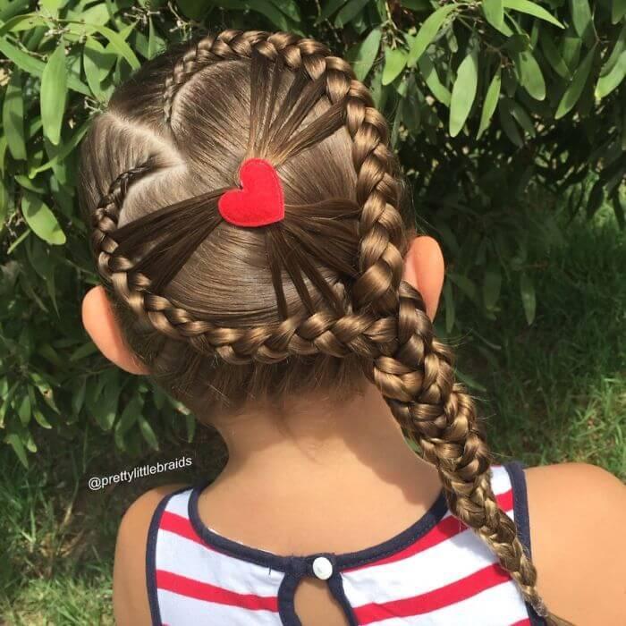 Französischer Zopf der anderen Art-großes Herzchän mit Haaren stylen