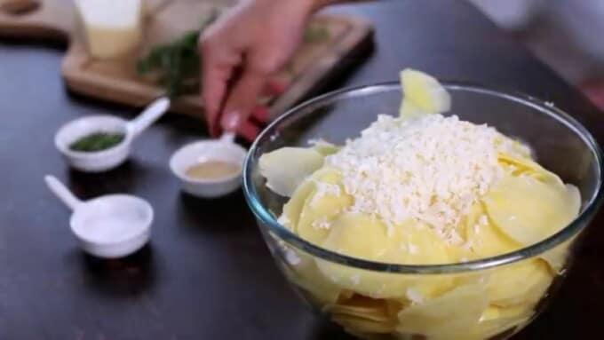 Zutaten vermischen-einfache Rezepte mit Kartoffeln
