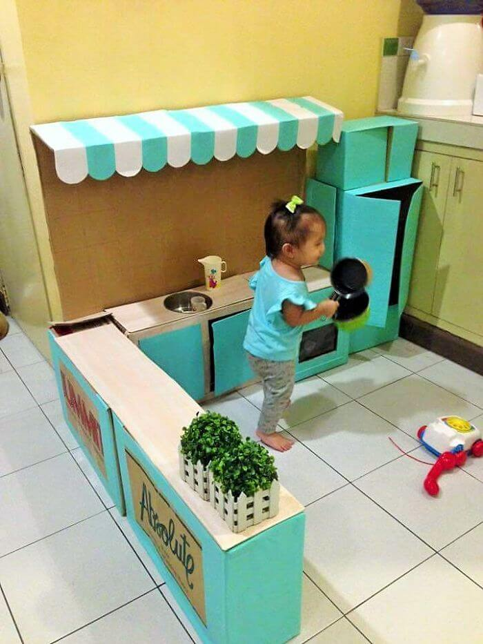 Spielküche selber machen aus Kartonpapier