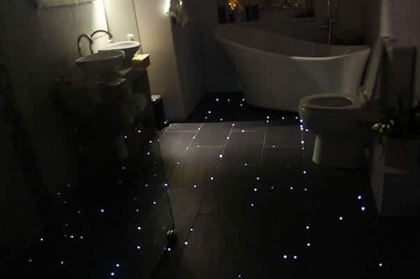 funkelndes Badezimmer - Boden dekorieren