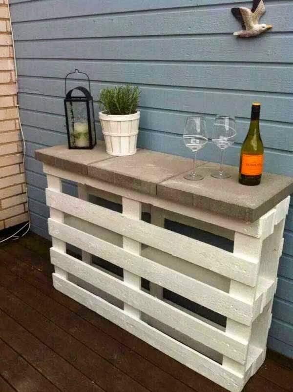 Gartentisch aus Holzpaletten bauen - Gartenmöbel selber machen