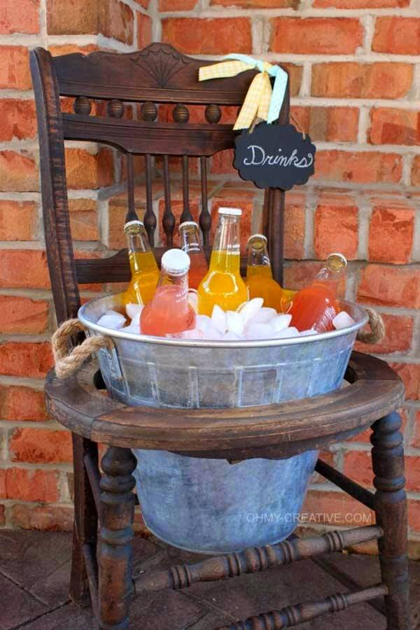 Getränkeaufbewahrung aus einem Stuhl bauen - DIY Bastelprojekte