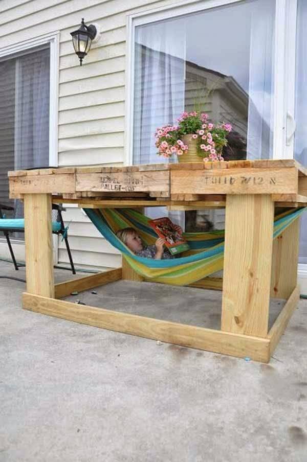 Gartenmöbel aus Europaletten bauen - inklusive Vertsteck für Kinder