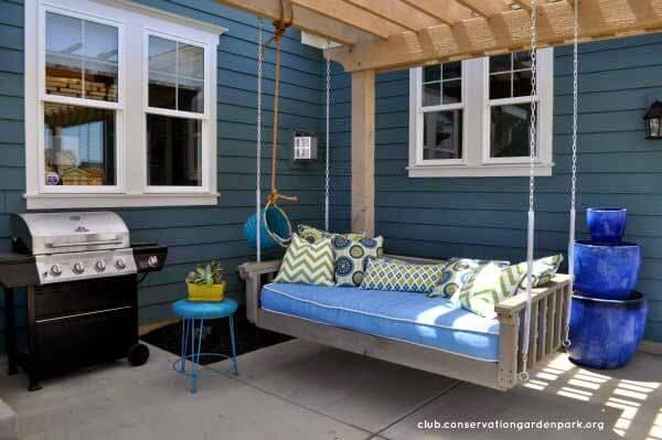 Gartenschaukel aus Europaletten bauen - schöne Gartenmöbel selber machen