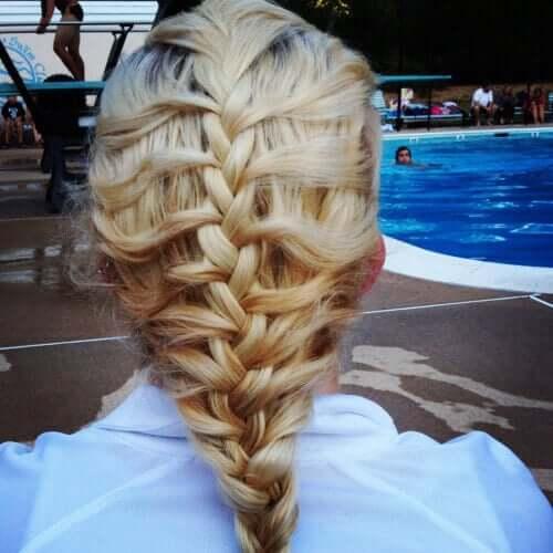 Flechtfrisur mit Anleitung - wunderschöne Haartrends