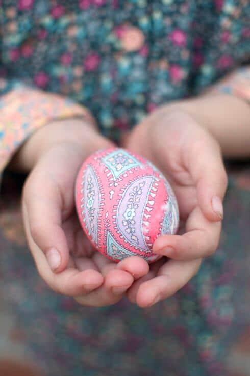 kreative Bastelideen zu Ostern - fertige Eier