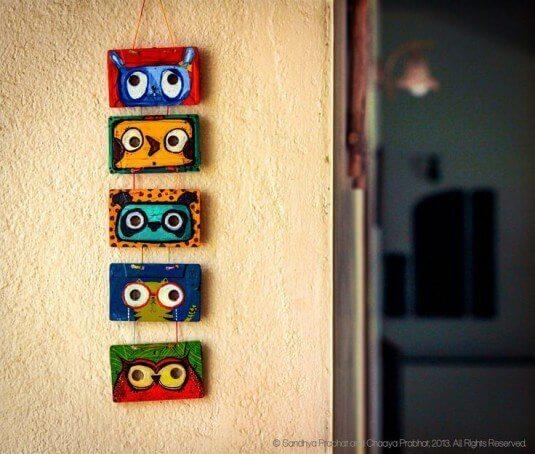 Wanddeko selber machen aus Audiokassetten - witzige Bilder malen