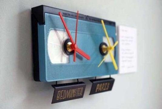 extravagante Wanddeko - Uhr aus alten Audiokassetten bauen