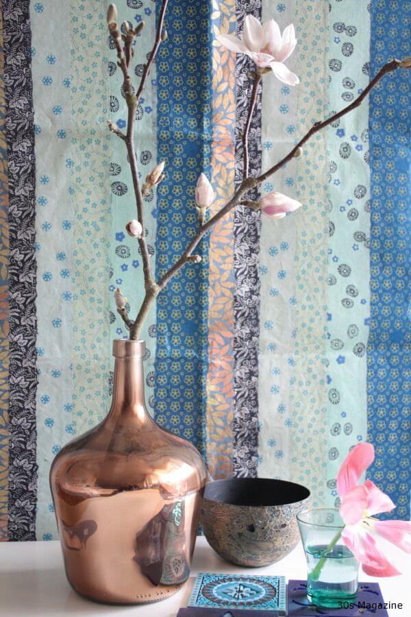 DIY Blumenvase mit Kupferspray besprühen