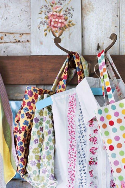 Bluse mit blumigem Muster-Bluse kreativ gestalten mit Bastel Ideen