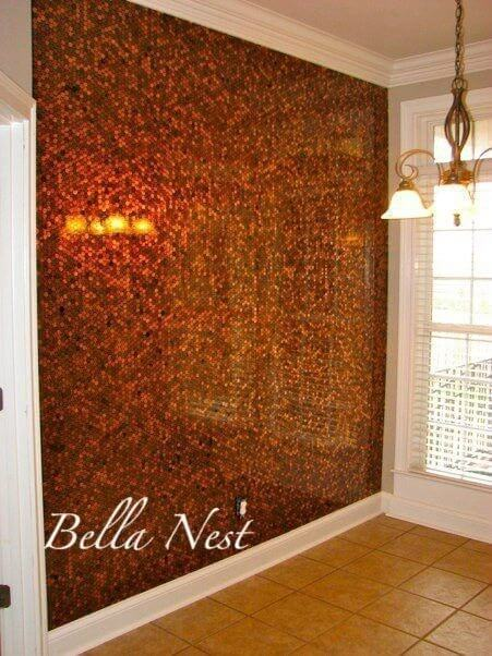 Wand mit Münzen verzieren - DIY Wanddeko - elegante Wohnideen