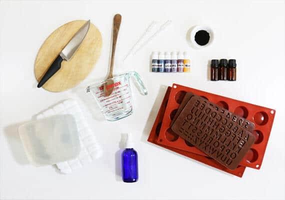 Zubehör und Zitaten für hausgemachte DIY Kosmetik