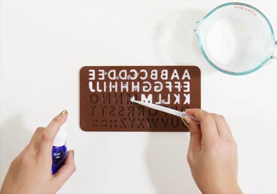Buchstaben fertigen - Seife selber machen