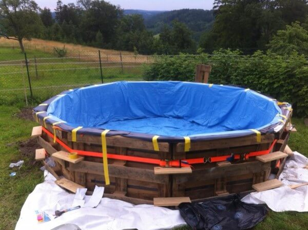 Pool selber bauen - DIY Garten-Projekte
