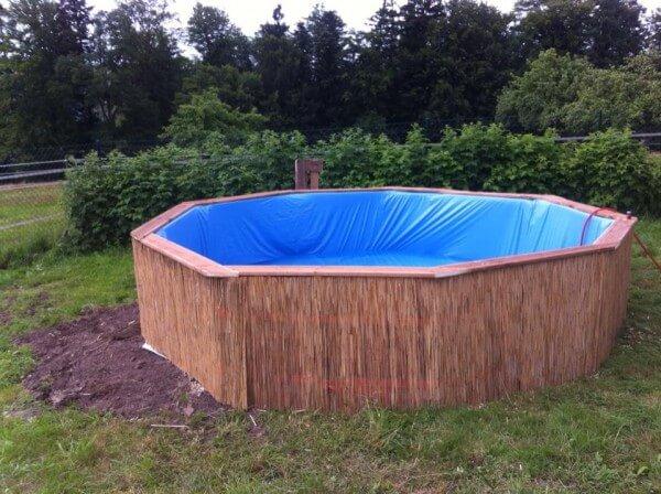 Bambus Deko im Garten - günstigen Pool bauen