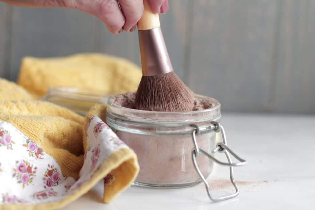 DIY natürliche Kosmetikprodukte - einfache und kostengünstige Rezepte