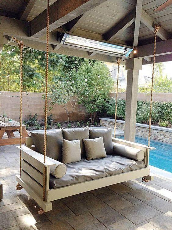 tolle Gartendeko Ideen - Schaukel aus Holzpaletten bauen